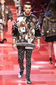 Dolce and Gabbana72-mensss18-61517
