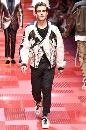 Dolce and Gabbana77-mensss18-61517