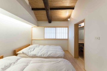 Apartment With Artistic Japanese Style Design 35