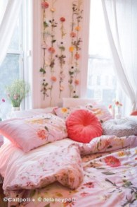 Bedroom Decorating Ideas To Create New Atmosphere 13