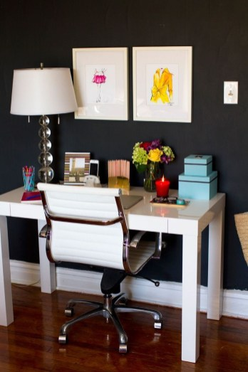 Best Home Office Ideas With Black Walls 01