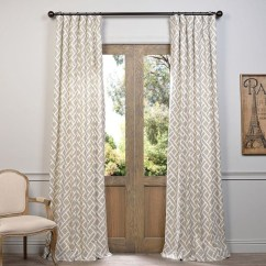 Guide To Choosing Curtains For Your Minimalist House 44