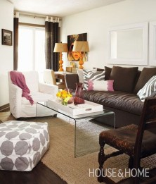 Inspirations To Choosing The Right Tables For Cramped Room 03