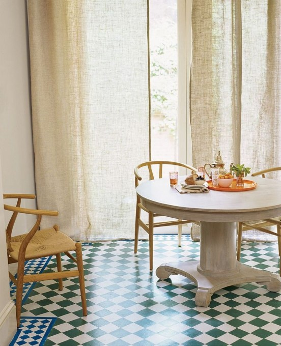 Inspirations To Choosing The Right Tables For Cramped Room 09