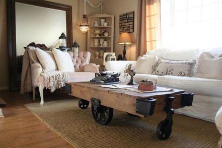 Inspirations To Choosing The Right Tables For Cramped Room 29