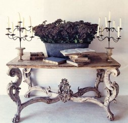 Inspirations To Choosing The Right Tables For Cramped Room 32