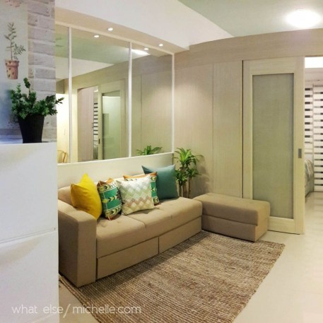 Minimalist Micro Apartment With A Hint Of Color 29