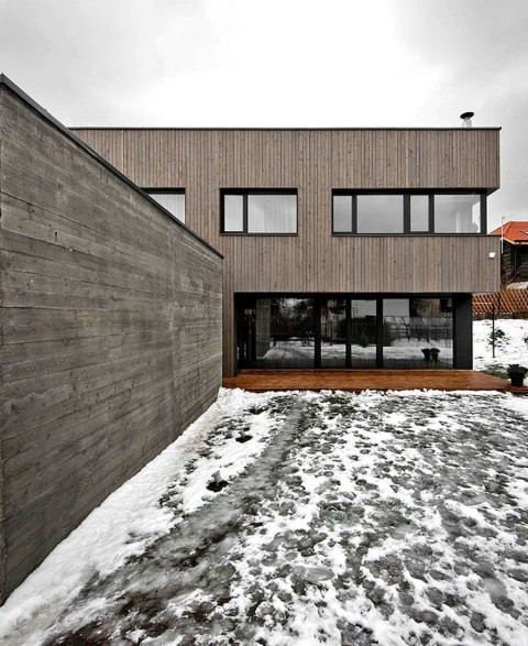 Spectacular Designs Of Minimalist Two Storey House 10