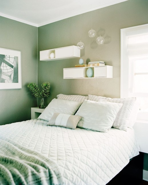 Ways Make Your Bedroom Clutter Free And Way More Chill 35