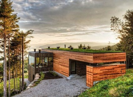A Wooden House That's Simple On The Outside But Modern On The Inside 04