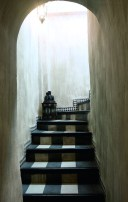 Beautiful Tiled Stairs Designs For Your House 16