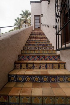 Beautiful Tiled Stairs Designs For Your House 17