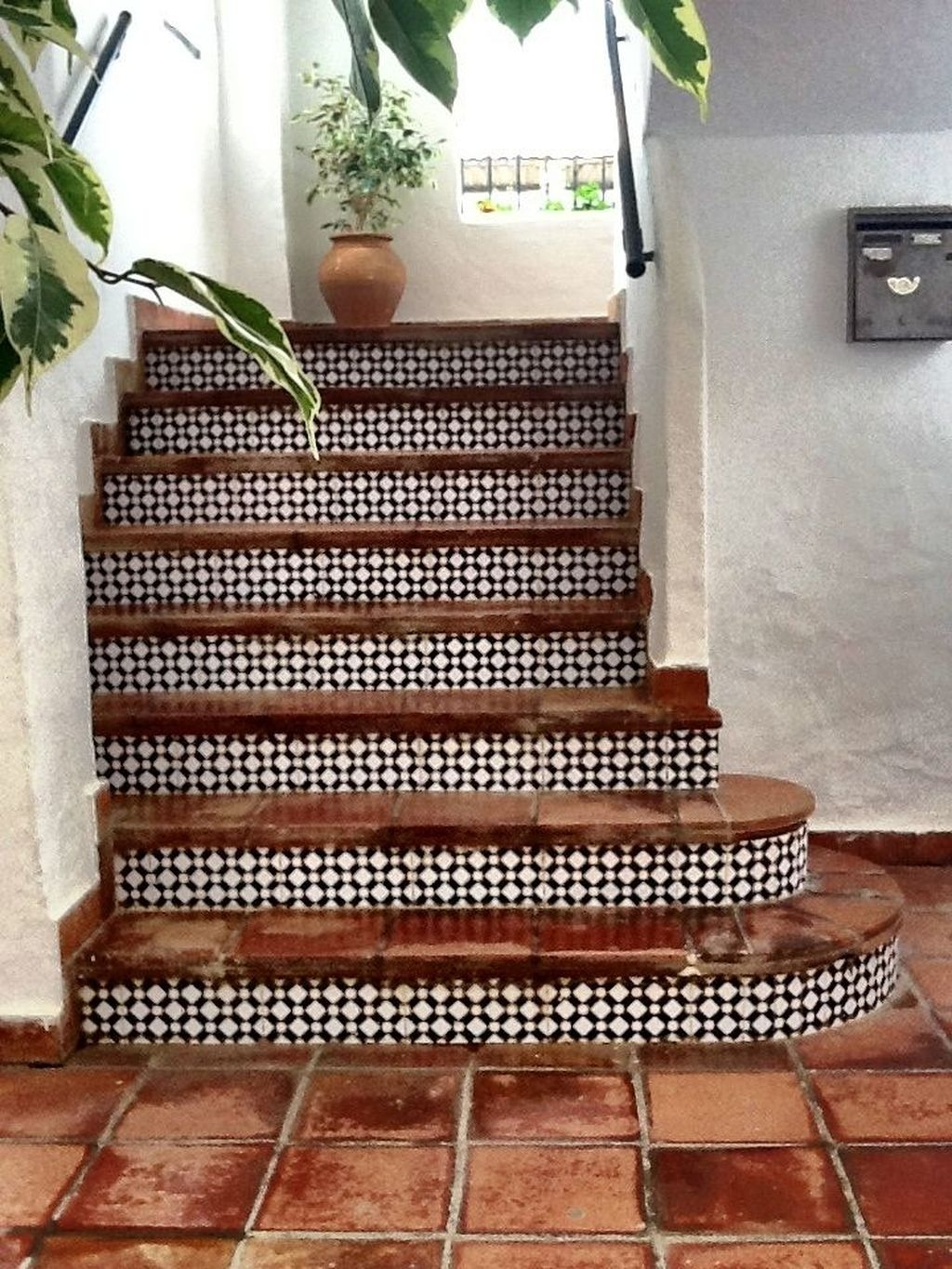 Beautiful Tiled Stairs Designs For Your House 29
