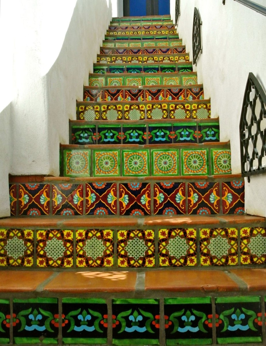 Beautiful Tiled Stairs Designs For Your House 34