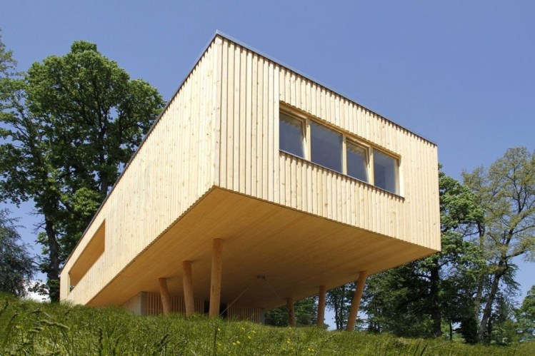 Charming And Minimalist Wooden House 04
