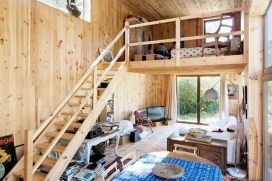 Charming And Minimalist Wooden House 06