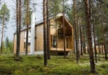 Charming And Minimalist Wooden House 25