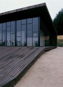 Charming And Minimalist Wooden House 45