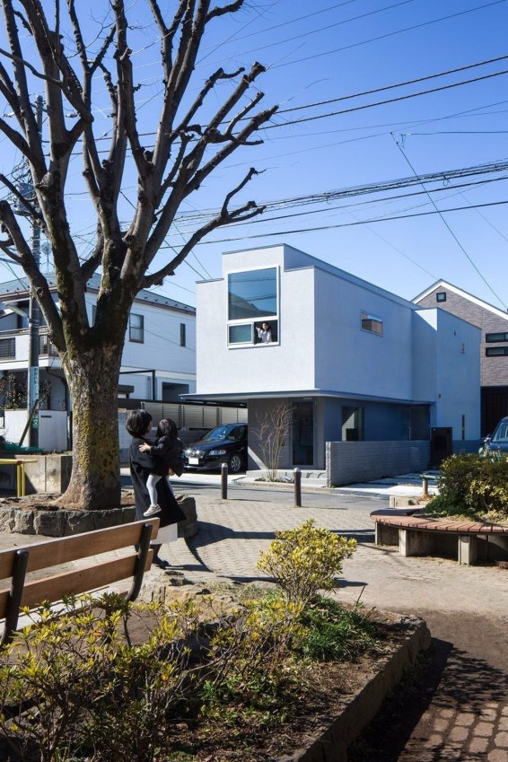 Functional Japanese House For Small Family 24