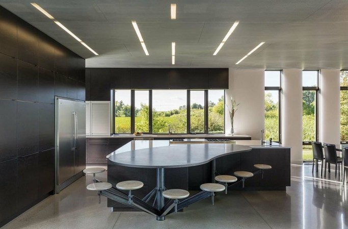 Modern Minimalist House That Full Of Surprises 21