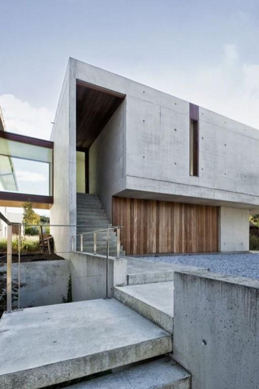 Modern Minimalist House That Full Of Surprises 47