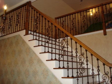 Wood Railing Ideas For Your House Style 22