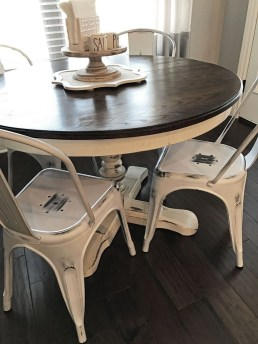 Amazing Farmhouse Kitchen Tables Ideas 18