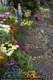 Beautiful Garden Flooring Ideas 36