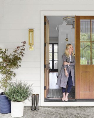 Chic And Simple Entrance Ideas For Your House 09