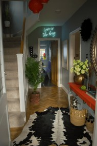 Chic And Simple Entrance Ideas For Your House 41