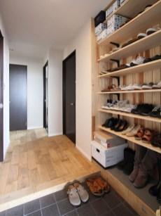 Stylish Small Entrance Ideas 31