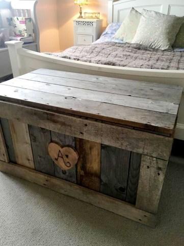 Adorable Crafty Diy Wooden Pallet Project Ideas 24