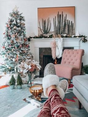 Adorable White Christmas Decoration Ideas 24