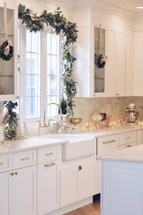 Awesome Christmas Kitchen Decor Ideas 14