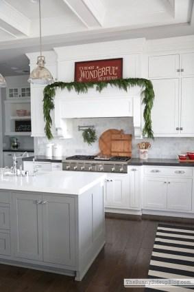 Awesome Christmas Kitchen Decor Ideas 32