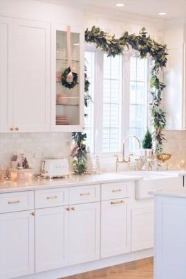 Awesome Christmas Kitchen Decor Ideas 44