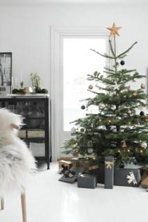 Awesome Scandinavian Christmas Decor Ideas 30