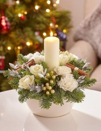 Charming Christmas Candle Decor Ideas 36