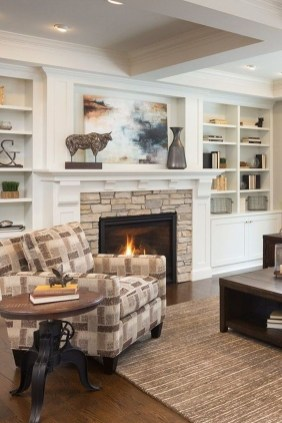 Comfy Winter Living Room Ideas With Fireplace 08