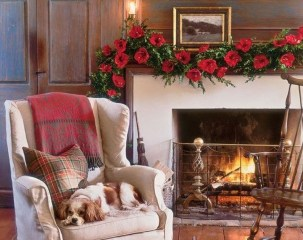 Comfy Winter Living Room Ideas With Fireplace 22