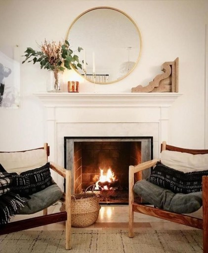 Comfy Winter Living Room Ideas With Fireplace 33