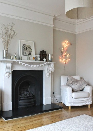 Comfy Winter Living Room Ideas With Fireplace 36