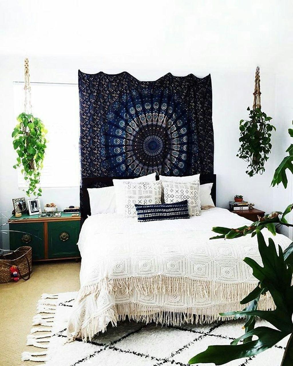 Creative Bohemian Bedroom Decor Ideas 04