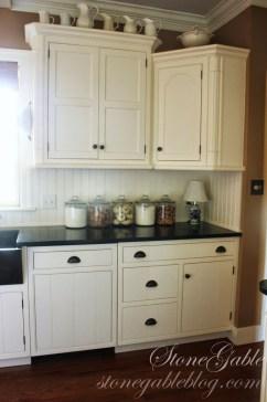 Cute Farmhouse Kitchen Remodel Ideas 34