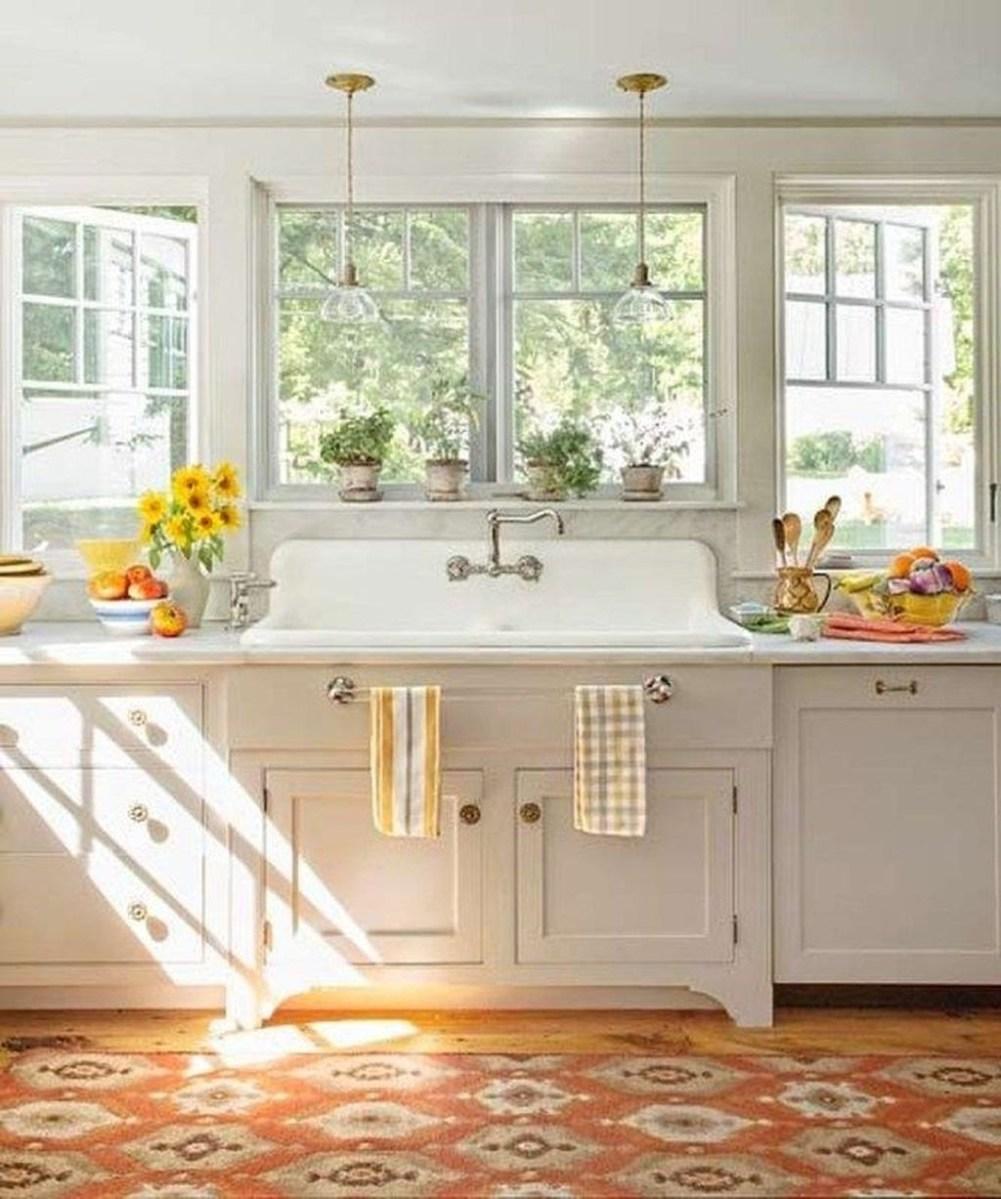 Cute Farmhouse Kitchen Remodel Ideas 47