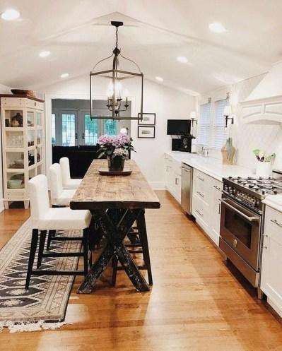 Cute Farmhouse Kitchen Remodel Ideas 53