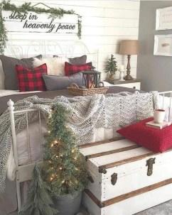 Fascinating Farmhouse Christmas Decor Ideas 04