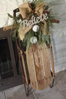 Fascinating Farmhouse Christmas Decor Ideas 21