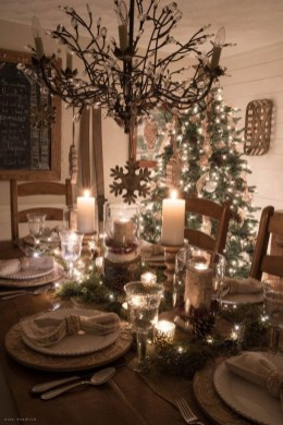 Gorgeous Christmas Apartment Decor Ideas 06