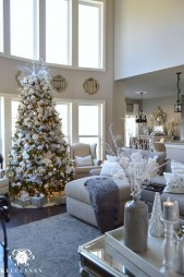 Gorgeous Christmas Apartment Decor Ideas 12